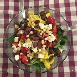 hearty-macadamia-salad